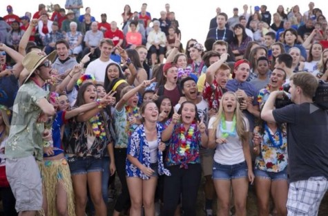 Spirit club excites La Salle as they move up to 5A