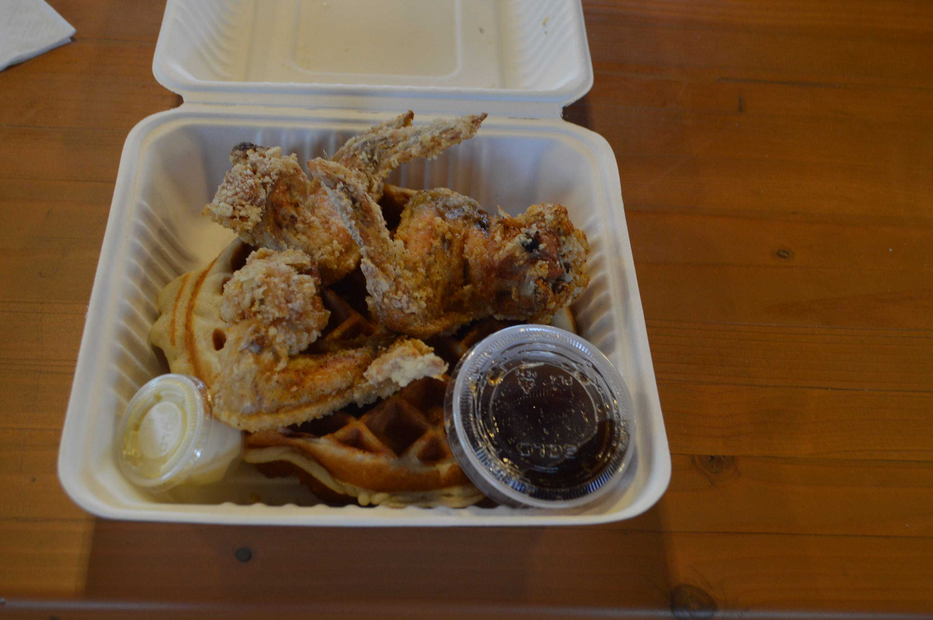 Chicken+and+waffles+from+the+Kickin%27+Chicken+Wings+cart