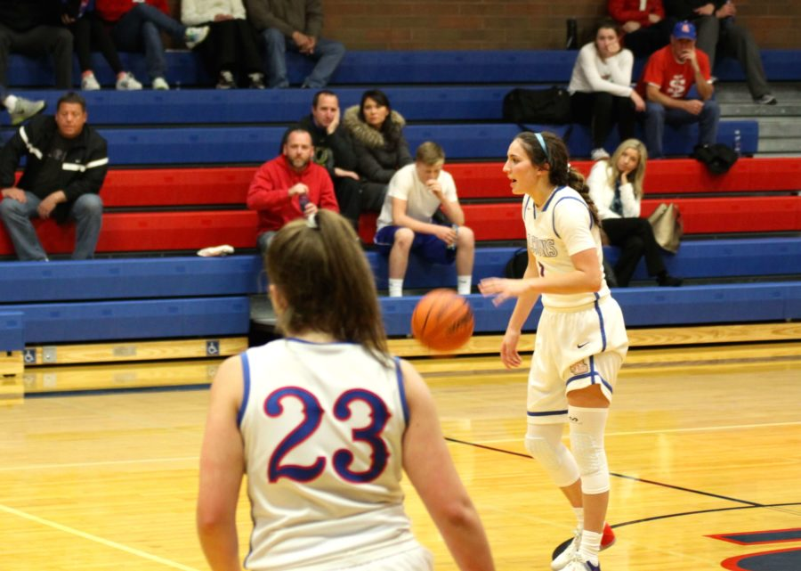 With Strong 2-0 Start, Girls Basketball Has Its Sights Set on a State Championship