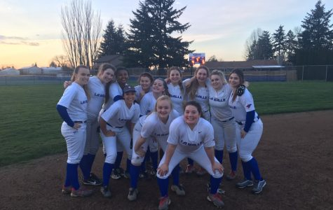 Six Game Winning Streak Propels Softball to Second in League