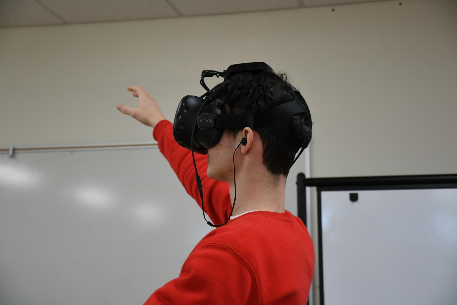 Virtual+reality+equipment+has+been+added+to+the+Innovation+and+Design+Center