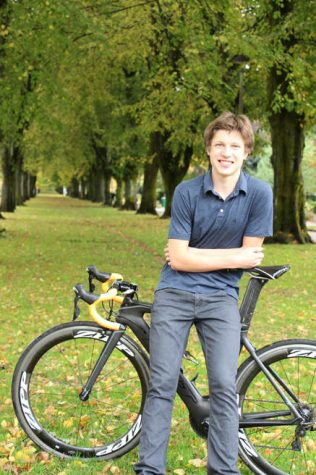 Next Level Seniors: Andy Krueger to Compete in Triathlon for Queens University