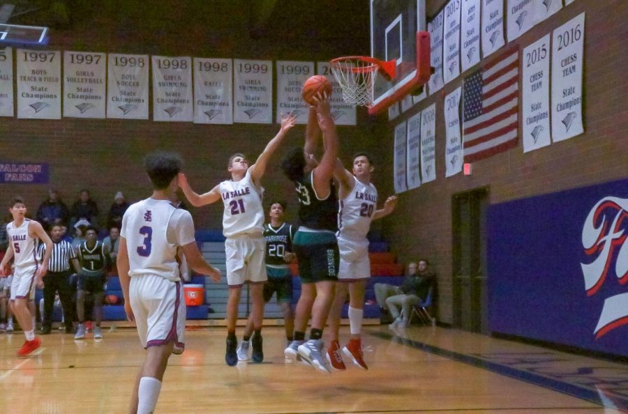 The boys basketball team played Parkrose last night and fell short 52-64.