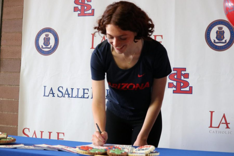 Hanley signed her National Letter of Intent on March 21.