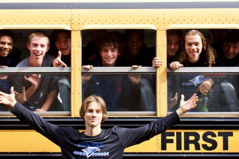 The boys varsity soccer team gets ready to depart for their game against Hood River yesterday, Sept. 24.