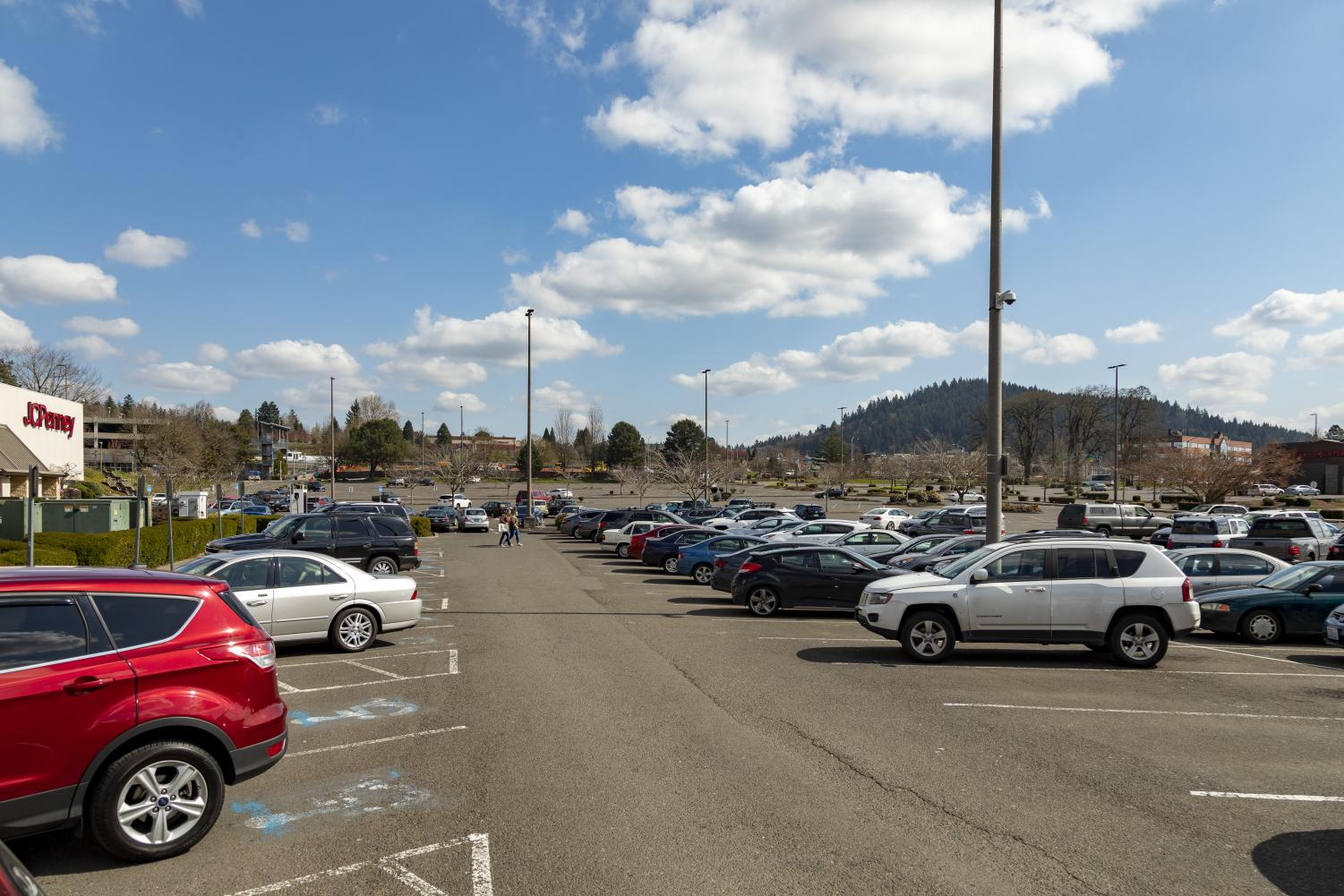 The+usually+bustling+Clackamas+Town+Center+parking+lot%2C+which+can+hold+as+many+as+6%2C800+cars%2C+now+sits+mostly+deserted%2C+with+only+the+first+few+rows+occupied.+