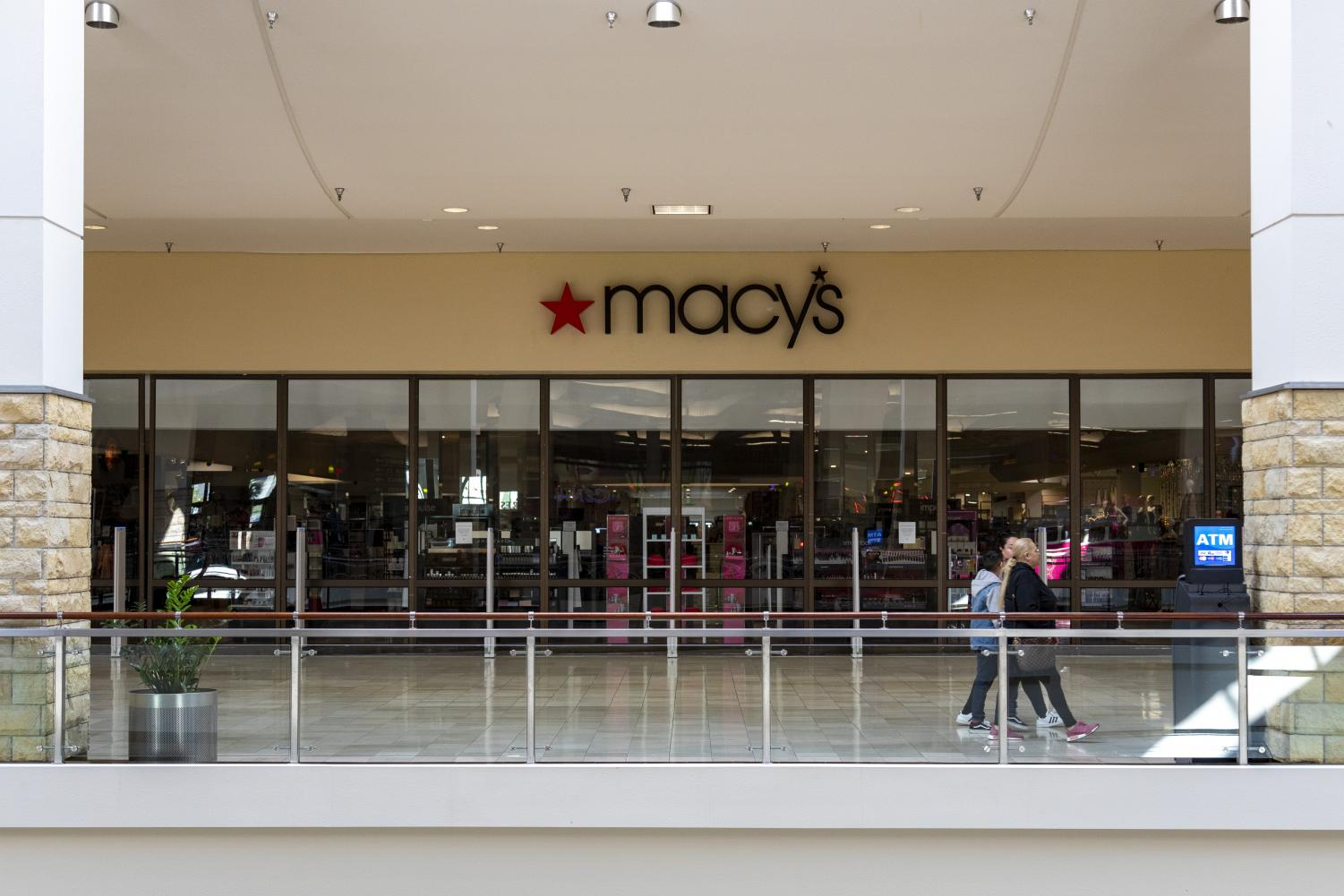 On+Tuesday%2C+March+17%2C+Macy%27s+temporarily+shuttered+all+of+its+department+stores+nationwide.
