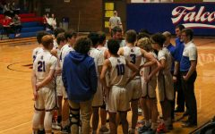 Boys Basketball Finishes League Play 9-5, Advancing to Playoffs