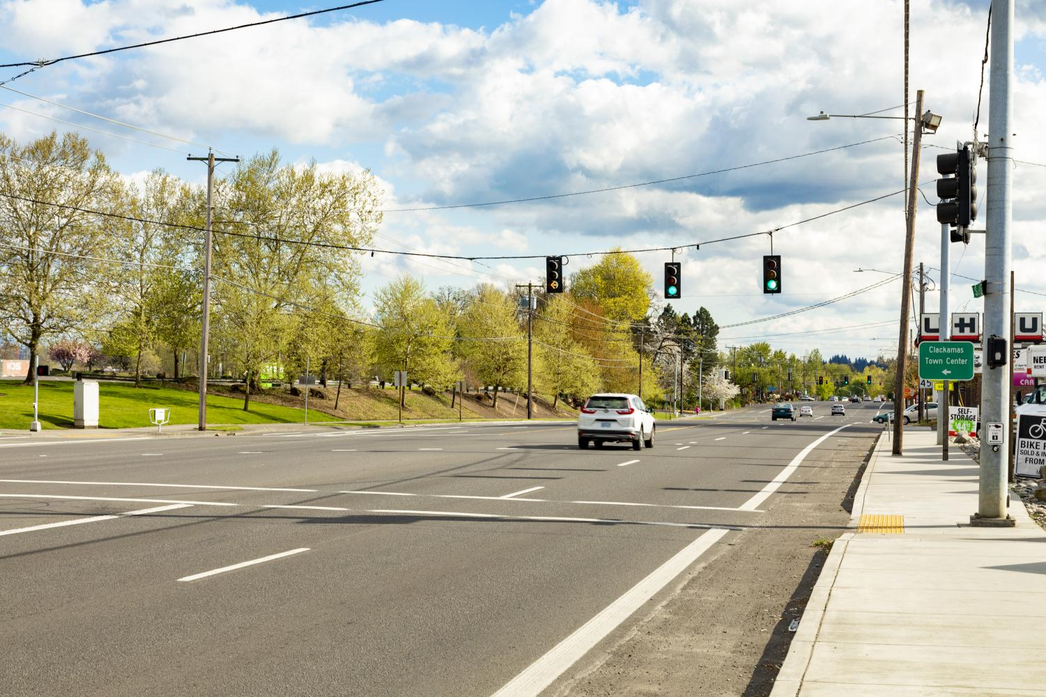 Deserted+Streets+and+Empty+Parking+Lots%3A+COVID-19+Sweeps+Across+Clackamas