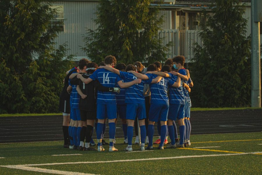 The boys varsity soccer team fell short against Central Catholic High School on Monday with a final score of 1-2.