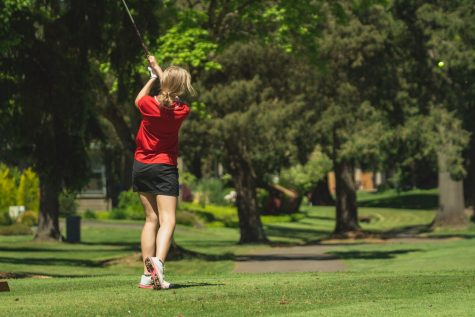 The girls golf team made their second consecutive visit to play against Wilsonville on their home course.