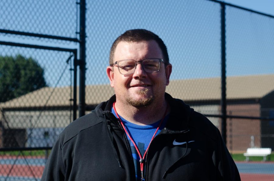 Mr. Janz lived in Arizona for around 10 years, teaching and coaching football there. When he moved to Oregon in 2013, he served as the head football coach for Reynolds High School, and later became head of Oregon City High School's football program.
