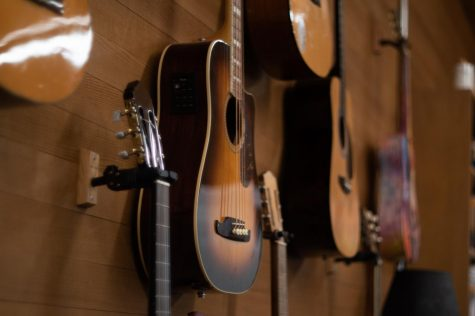 From Taylor Swift to Fleetwood Mac, many artists have incredible acoustic performances that are worth a listen.